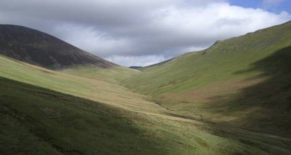 Sail Beck with the Ard Crags-Knott Rigg ridge on the right
